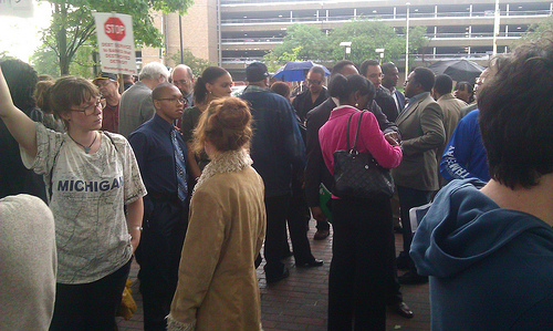 Hundreds gather outside of the Wayne State University Law School in Detroit on June 10, 2013 to demonstrate against Emergency Manager Kevyn Orr. People in Detroit have rejected bank-imposed austerity. (Photo: Abayomi Azikiwe)